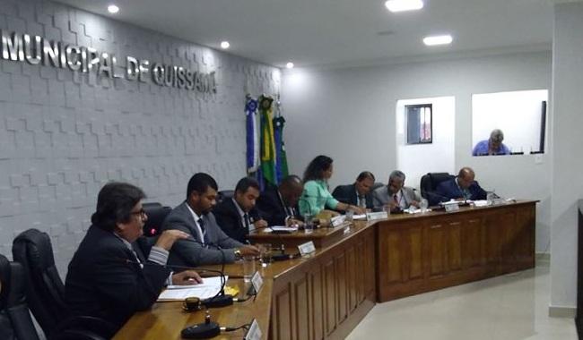 Emendas Supressiva e Modificativa, e Projeto de Moção de Aplausos aos Diretores das escola de autoria do Vereador José Borba foram aprovadas na Sessão Ordinária de hoje.