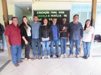 Mesa Diretora acompanha eleição para membros da Câmara Jovem na Escola Nelita Barcelos em Morro Alto.