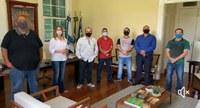 Presidente da Casa Legislativa se reúne com a Prefeita Fátima Pacheco e membros da COMPAQ para avaliar reabertura das Igrejas e denominações religiosas.