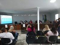 Secretaria Municipal de saúde realiza Audiência Pública no Plenário da Casa Legislativa.