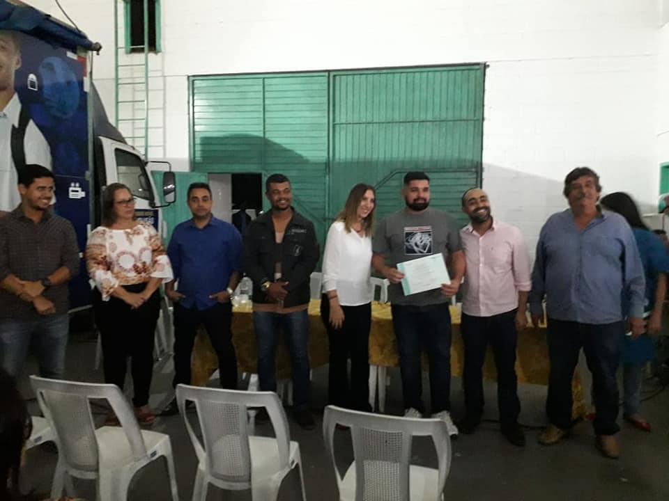 Vereadores participam de entrega de certificados de cursos oferecidos pelo SENAI.
